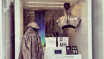 2013 年九月於紐約 New Museum Store 的《The Privacy Gift Shop》期間限定店